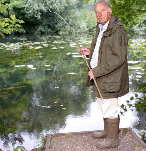 GeoffreyPalmerfishing.jpg