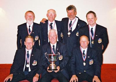 englandboatteam2004.jpg