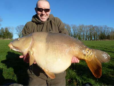Stephen Johnson with Jona from The Avenue at 60lb 4oz.jpg
