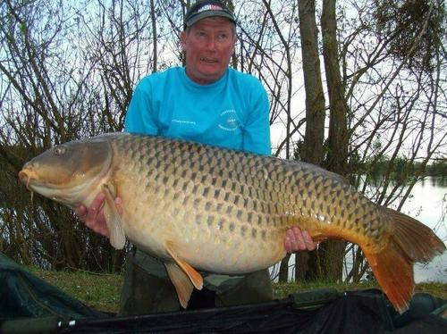 World common carp record 101lb 8oz Premier Bait.jpg