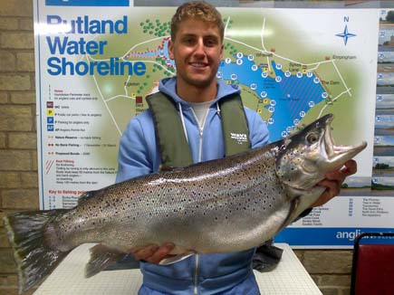 Tom Cooper with the Rutland Water brown trout record at 17lb 6oz 4dr