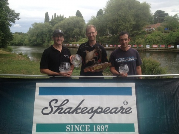 Rob Wootton wins 2013 Shakespeare Trophy.jpg