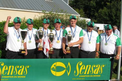 The winning U18s Sensas England Match Fishing Team 2013 with Managers.jpg