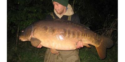 Matt Bryant with The Parrot at 62lb 8oz.jpg