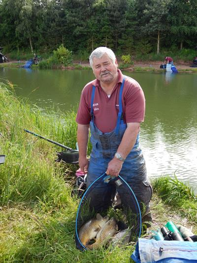 John Holmes disabled match fishing national 20132.jpg
