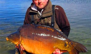 60lb-carp-from-Cambridgeshi.jpg