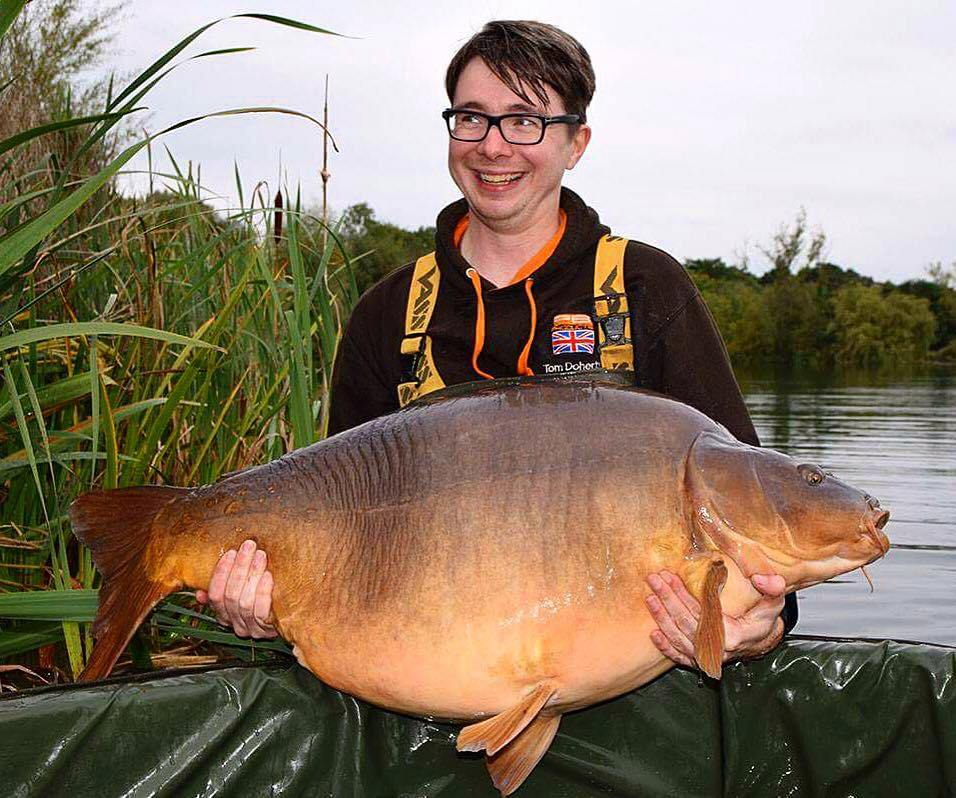 Big rig british record carp record claim and loch earn for Fishing for carp